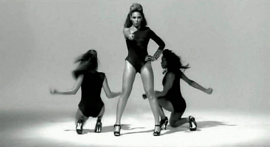 Beyoncé v klipu Single Ladies.