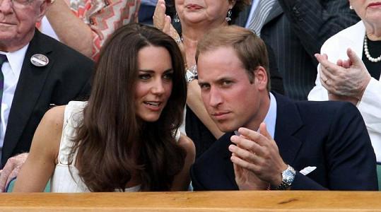William a Kate se na zápas bedlivě soustředí.