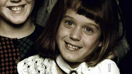 Z této dívenky vyrostla jedna z nejoblíbenějších zpěvaček současnosti.