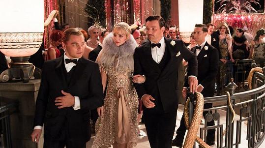 Leo po boku Carey Mulliganové a Joela Edgertona.