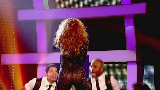 Jennifer Lopez kroutila svým pověstným zadečkem.