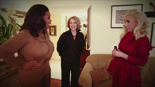 Oprah Winfrey vyzpovídala jak zpěvačku, tak její maminku.