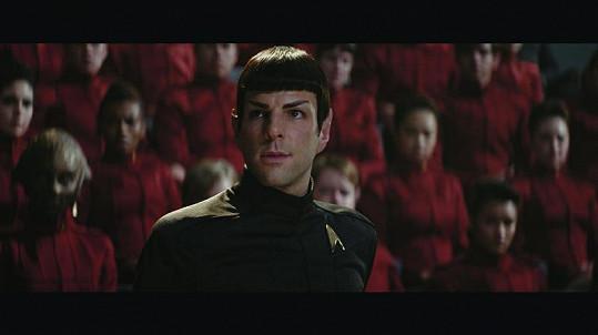 Zachary Quinto jako Spock ve Star Treku.