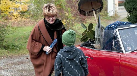Alena Vránová se svým seriálovým vnukem.