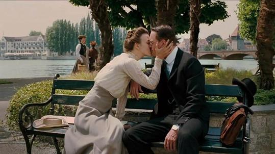 Keira Knightley a Michael Fassbender ve filmu A Dangerous Method prožívají vášnivý milenecký vztah.