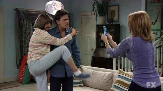 Pro Sheena je údajně terapeut Charlie Goodson v Anger Managementu poslední hereckou rolí.