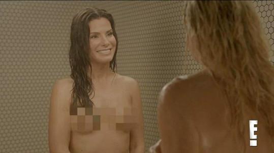 Sandra Bullock v komediálním videu.