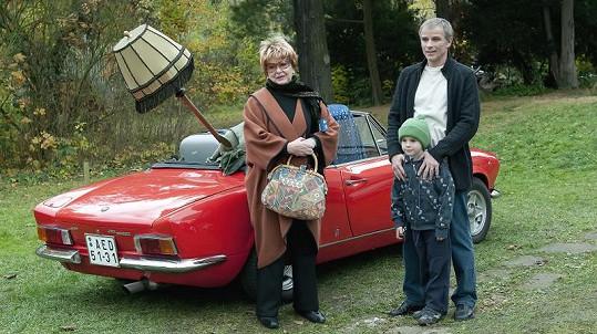S Alenou Vránovou si zahraje i Lukáš Vaculík. Jeho syna ztvární Filip Antonio.