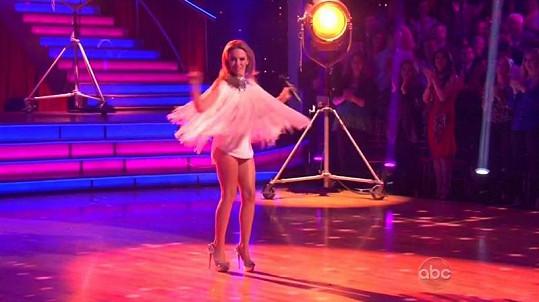 Kylie a její taneční kreace.