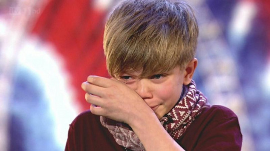 Obrovský úspěch dvanáctiletého školáka dojal k slzám.
