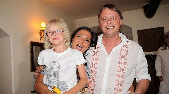 Mahulena Bočanová s manželem Viktorem Mrázem a dcerou Marinou