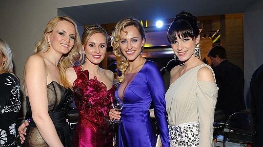 Lucie Hadašová, Zuzana Štěpanovská, Renata Langmannová a Kateřina Smejkalová na finále České Miss