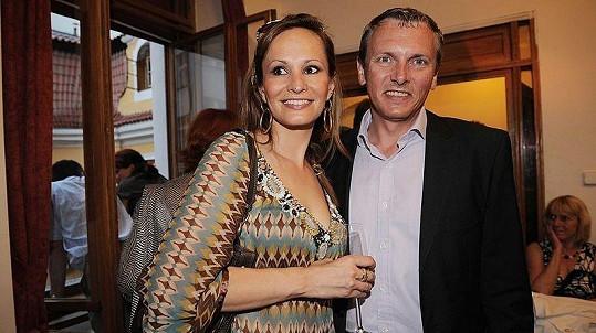 Monika Absolonová s přítelem Vratislavem Jandou na oslavě 60. narozenin Jitky Zelenkové