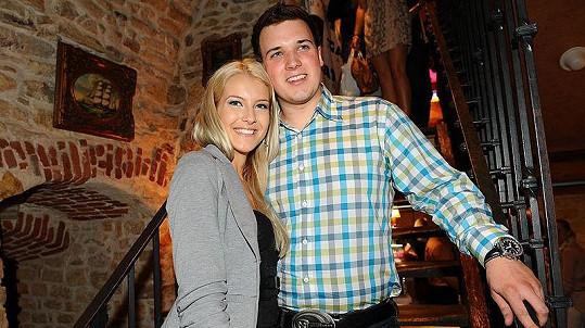 Nová Česká Miss Jitka Nováčková s přítelem Markem na párty nového módního časopisu