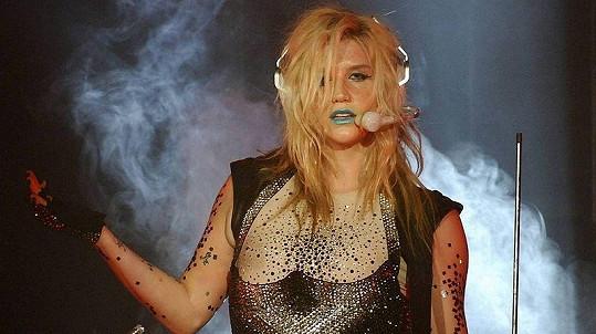 Zpěvačka Ke$ha využije prý všechny zuby svých fanoušků.