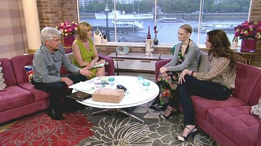 Malissa Jones v televizní studiu.
