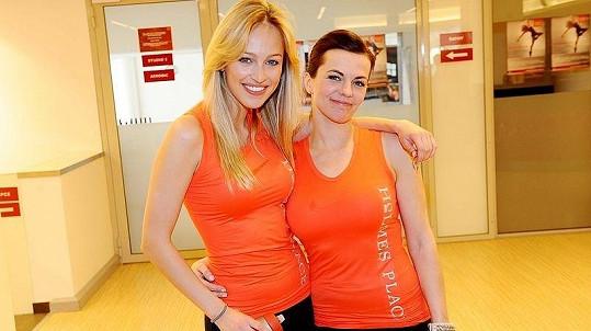 Marta Jandová a Renata Langmannová v pražském fitness centru