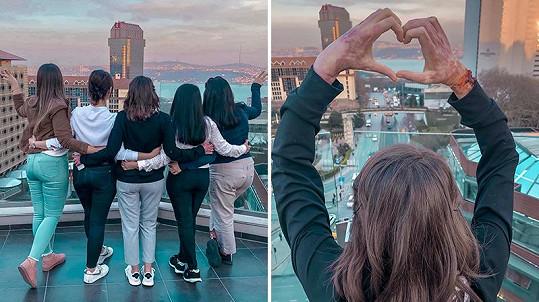 Takhle vypadají její ruce na fotce, kterou sama sdílela na svém instagramovém účtu.