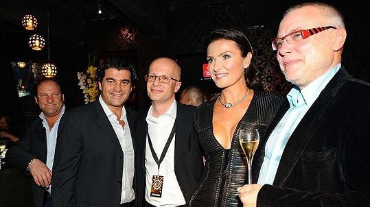 Michaela Maláčová s manželem Zdeňkem Bakalou a Alberto Tomba na finále České Miss.