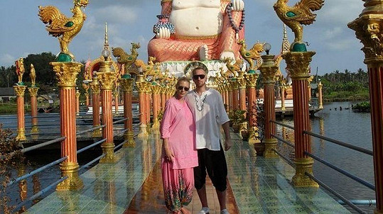 Dvojice společně procestovala půl světa. Toto je například fotka z dovolené v Thajsku.