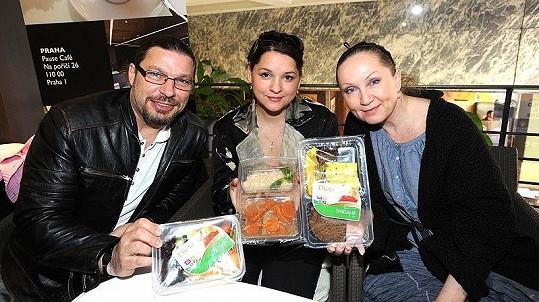 Petr Kolář, Magda Malá a Bára Basiková drží stejnou tzv. krabičkovou dietu