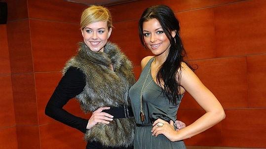 Stále ještě úřadující Česká Miss Jitka Válková a Česká Miss world Veronika Machová