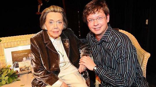 Jiřina Jirásková s moderátorem Alešem Cibulkou