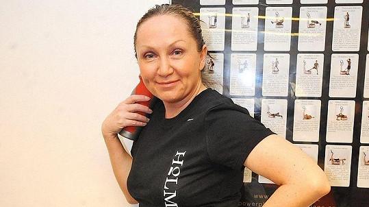 Bára Basiková před změnou image.