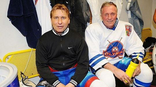 Horst Siegl a Mirek Topolánek na pražském charitativním hokejovém utkání HC Olymp proti ruskému týmu Pod Flagom Dobra