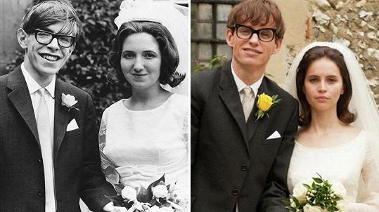 Originální fotka Stephena Hawkinga (vlevo) a její zfilmovaná verze s Eddiem Redmaynem v hlavní roli.