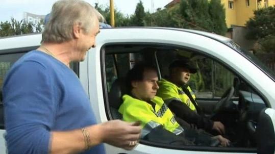 Na místě se stavila policie, hned ale odjela.