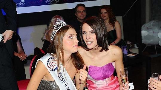 Česká Miss World Denisa Domanská a finalistka Andrea Kabická na finále České Miss