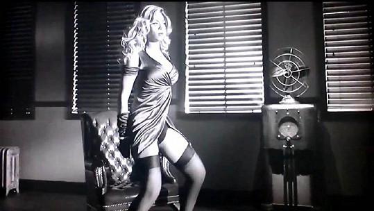 Beyoncé je v novém videoklipu zatraceně sexy.