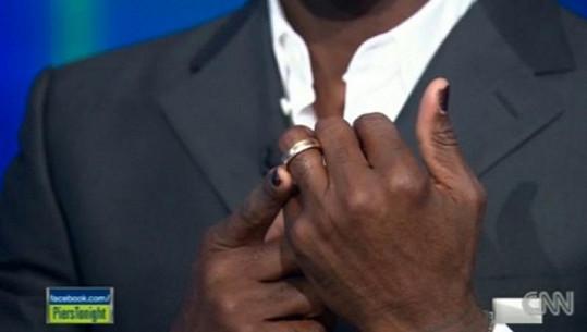 Seal měl nalakované nehty i během rozhovoru na CNN o rozvodu s Heidi Klum.