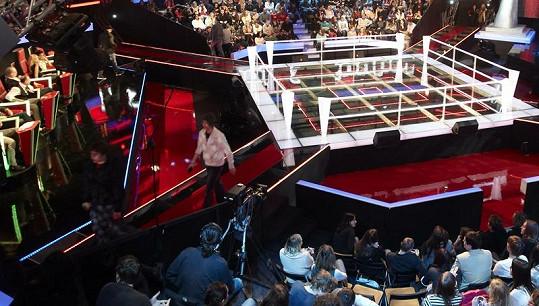 V tomhle boxerském ringu bude pořádná mela.