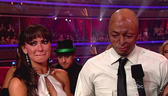Martinez i jeho tanenčí partnerka Karina Smirnoff byli z ovací ve stoje dojatí.