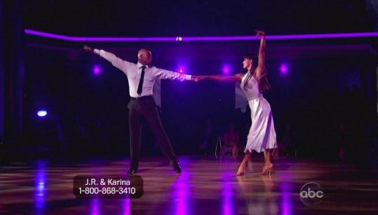 J.R.Martinez s Karinou Smirnoff předvedli perfektní taneční číslo.