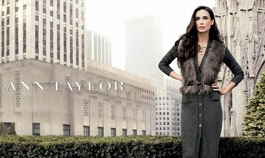 Demi Moore o tento kšeft již přišla, nahradí ji mladší Kate Hudson.