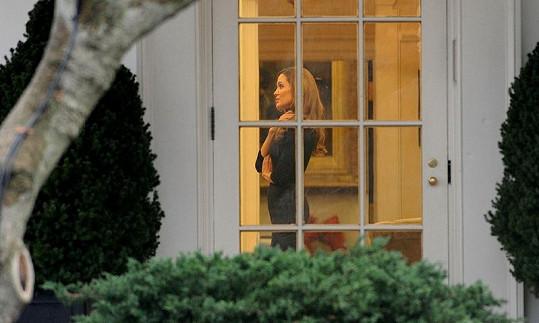 Angelina se v Oválné pracovně setkala s americkým prezidentem Barackem Obamou.
