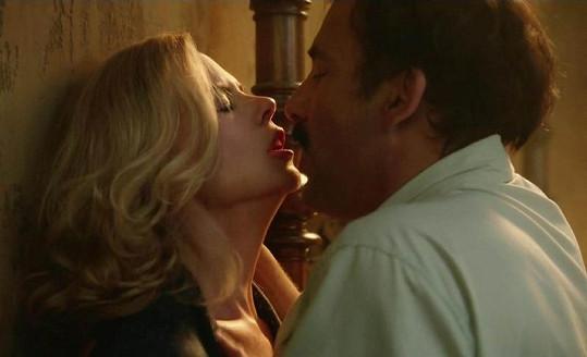 Nicole a Clive jako Martha a Ernest.