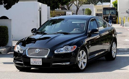 Moderátor je pyšným vlastníkem vozu Jaguar XF.
