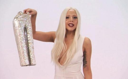 Myslí Lady Gaga svou dětskou kolekci opravdu vážně?
