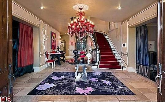 Z domu Osbournových dýchá luxus.