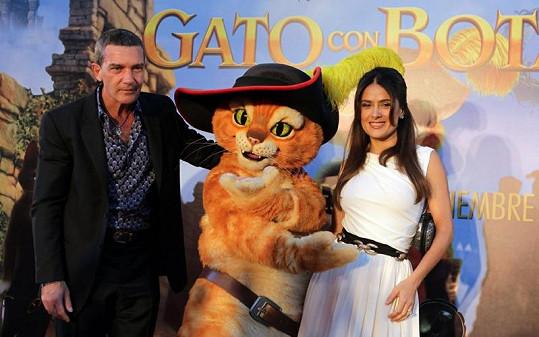 Antonio Banderas a Salma Hayek s kocourem v botách.