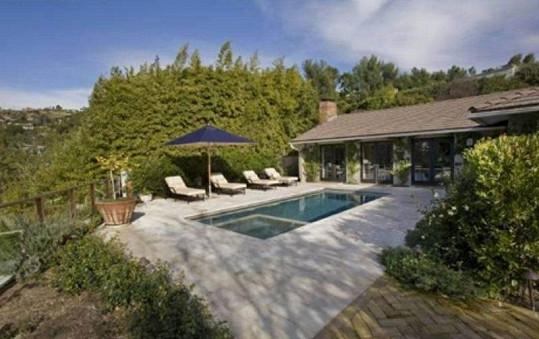 Krásný dům v Hollywood Hills, který si pronajala Jennifer Aniston.