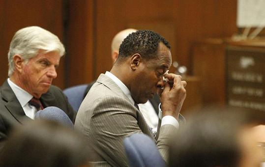 Conrad Murray před soudem.