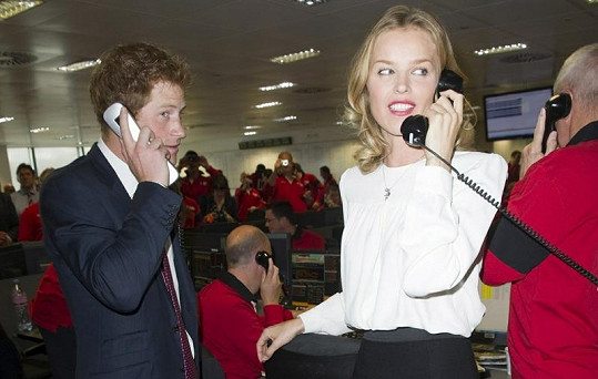 Princ Harry a Eva Herzigová na burze.