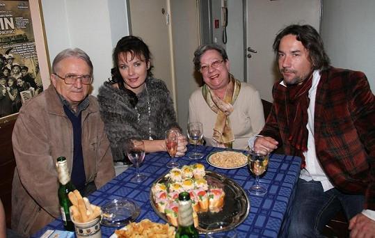 Bára Munzarová s rodiči svého partnera Martina Trnavského.