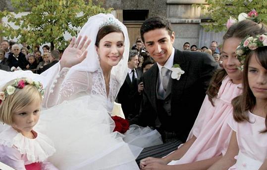 Byly šaty Isabelly Orsini předlohou pro svatební róbu Kate Middleton?