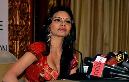 Sherlyn Chopra podepsala smlouvu s Playboyem.